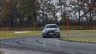 BMW i4: BMW tager sjældent den lige vej