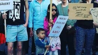 """Anna med familj: """"Vårt barn ska tas ifrån oss!"""""""