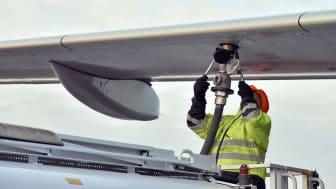 Refuelling of aircraft. Photo: Victoria Ström.
