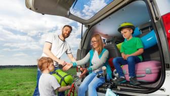 Husk sommerdæk og korrekt dæktryk på bilferien