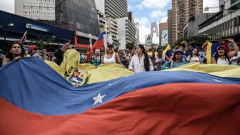 Venezuela 2019. Människor protesterar mot regeringens politiska förtryck. ©Roman Camacho/SOPA/LightRocket/Getty