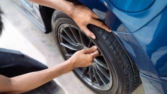 Att förvara däcken hemma i garaget kan du spara en slant på. Men se till att du förvarar dem på rätt sätt!