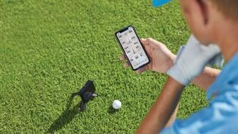 Träna, registrera, spela in videor och få möjligheten att spela virtuella rundor på fler än 42 000 golfbanor runt om i världen