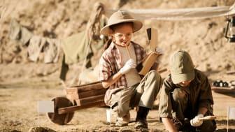 I vinterferien kan ungerne slippe den indre skattejæger løs og snuppe en tur i arkæologi-skolen på Lejre Museum. Foto: Shutterstock