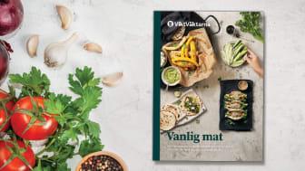 Vanlig mat är all typ av mat och därför är denna bok full av recept som passar alla kockar, oavsett om du gillar husmanskost eller bibimbap och bowls.