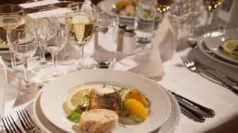 Ett matminne kan se ut på många olika sätt, från en högtidlig middag till en enkel frukost i ensamhet. Foto: Jenny Svennås-Gillner