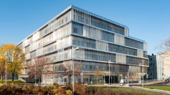 Nya akutvårdsbyggnaden vid Danderyds sjukhus som prisats med Plåtpriset 2020