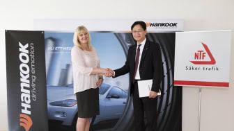 Hankook VD och NTF Generalsekreterare skriver under samarbetsavtal
