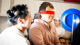 Foto Cecilia Nordstrand. Från en Clowner utan Gränser-workshop med ensamkommande ungdomar.