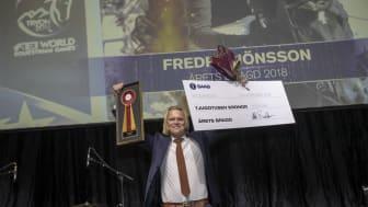 Förra året stod Fredrik Jönsson för årets bragd. Vem som gjort det i år avslöjas på Ryttargalan i november. Foto: Roland Thunholm