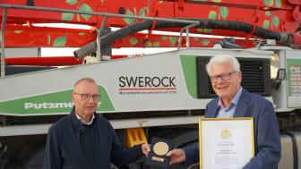 Nordbyggs Peter Söderberg tillsammans med Swerocks vd Karl-Gunnar Karlsson.
