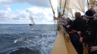 Arbete ombord på Tre Kronor af Stockholm vid Saltkråkan Race