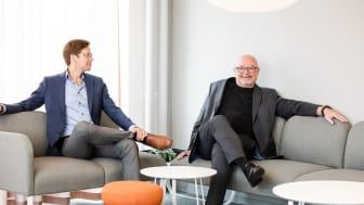 Ola Persson, Affärsansvarig för Mobila biljetter, och Roland Ferngård, vd på Softhouse, på plats i de nya lokalerna i Slagthuset.