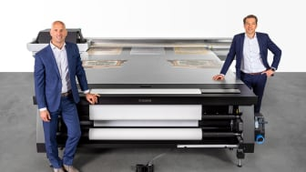 Dirk Brouns, Vice President för Large Format Graphics och Martijn van Hoorn, Senior Vice President för Research & Development på Canon Production Printing