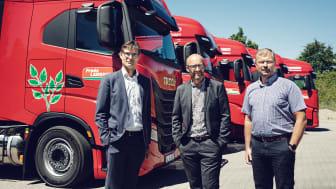 Kåre Neergaard, Business Line Manager Medium/Heavy Trucks på IVECO, Thomas Corneliussen, direktör på Frode Laursen och Jan Skov Pedersen, Technical Manager på Frode Laursen