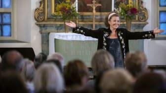 Anna Eklund-Tarantino i Dala-Floda kyrka