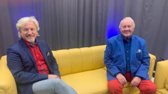 Uwe Wanger (links) schnackt mit Gerd Hausotto über Privates und Berufliches