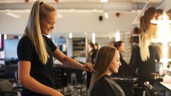 Lärlingsutbildning till frisör på De la Gardiegymnasiet