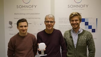 VitalThings får hjelp av Norconsult Informasjonssystemer. F.v.:  Daniel Johansen Trosten (NoIS), Bård Benum (VitalThings) og Sondre Foslien (NoIS). (Foto: NoIS)