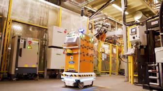 A Survival nevű önvezető robot a Ford valenciai gyárában teljesít szolgálatot