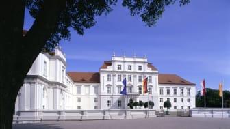 """Schloss Oranienburg mit seinem Park ist der Rahmen der """"Winter-Träume"""" Anfang Februar 2020. Foto: TMB-Fotoarchiv/Daniel Lindner/SPSG."""