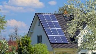 Solceller på tak Mostphotos