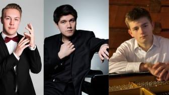 Pianisterna Sebastian Iivonen, Christopher Hästbacka och Herman Pellbäck framför musik.