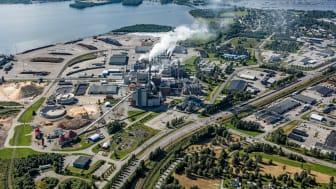 Smurfit Kappa Piteå tillverkar årligen 700 000 ton kraftliner, vilket är ett papper som används för tillverkning av högklassig wellpapp.