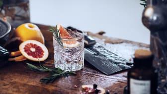 Mountain Dry Gin Signature Gin & Tonic