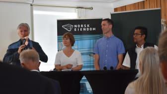 Klima- og miljøminister Ola Elvestuen løftet fram mindre riving som et viktig klimatiltak under en debatt på Arendalsuka.