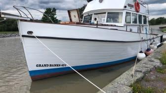 Nu säljer dykarprofilen sin raritet: världens första Grand Banks 42