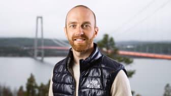 Joel Libell har börjat som strateg inom naturturism och hållbarhet på Höga Kusten Destinationsutveckling.