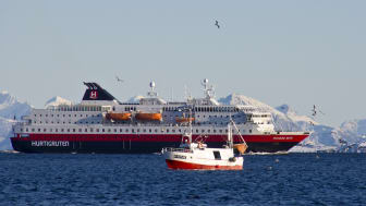 Kongsberg Maritime and Myklebust Verft will convert three Hurtigruten Norwegian Coastal Express vessels, including MS Richard With, to hybrid operation
