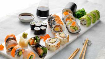 Østlendinger har best tilgang på fersk fisk og sushi. Det er en av årsakene til at de spiser fisk oftere enn for eksempel nordlendinger. Foto: Norges sjømatråd.