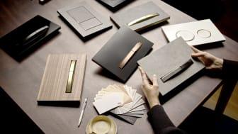 Materiale: Betjeningsplater i metallfargene messing, rødt gull eller sort krom gir betjeningsplaten et ekstra elegant preg.