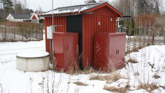 Hammarö kommun har teknikskåp från Rittal, både med enkel- och dubbeldörrar, för att etablera lokalnoderna i fibernätet. Dessa skåp är en bra produkt att använda i utbyggnaden.