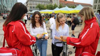 """Start der Aktion """"Wir kaufen hier."""" auf dem Wochenmarkt Leipzig - Foto: Andreas Schmidt"""