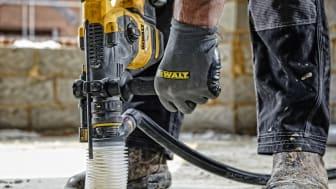 Den unika serien Perform & Protect från DEWALT utökas nu med nya produkter, alla med strikta krav när det gäller vibrationer, damm och kontroll.