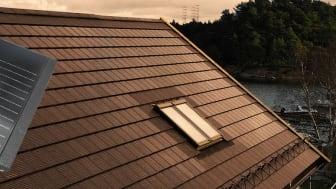 Rustabo lanserar integrerad solcell i betongpanna - unik nyhet på svensk takmarknad