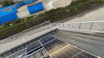 Elen från de 172 panelerna kommer användas för att driva delar av återvinningsanläggningen.