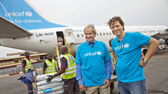 Norwegian's CEO Bjorn Kjos and UNICEF's CEO Bernt G. Apeland in Bangui, CAR