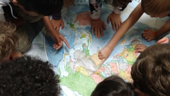 Schülerinnen und Schüler erleben den Treibhauseffekt spielerisch