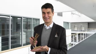 Dr. Axel Kaufmann, Speaker of the Executive Board and CFOO of the Nemetschek Group received the award