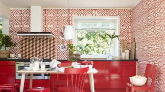 Rødt er en farge som oser av glede og vitalitet. Her har vi lekt oss med de sterke rødfargene.