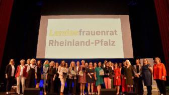 """Feierlichkeiten anlässlich der Buchveröffentlichung """"Nachhaltigkeit – Frauen schaffen Zukunft"""""""
