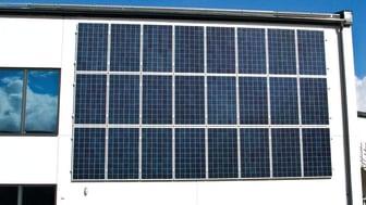 Lokalförvaltning har antagit ett solenergiprogram som innebär att sätta solceller på alla nybyggnationstak. Foto: Lokalförvaltningen