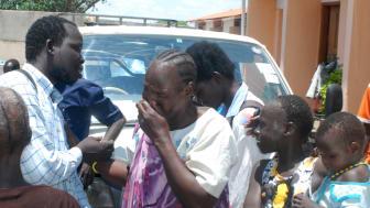 Gefährliche Flucht / Auf der Suche nach einem sicheren Ort war ein SOS-Jugendleiter allein mit 30 Kindern einen Monat lang im Südsudan unterwegs