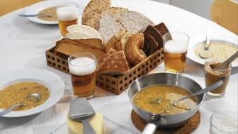 Fira Måltidens dag med nygräddat bröd och varm soppa!