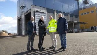 Johan Elgh, Fastighetschef Volvo Group Real Estate, Lennart Richardsson, tf Platschef Volvo GTO, Sammy Tanhua, VD Skövde Värmeverk AB och Philip Segell, ordf Skövde Värmeverk AB.