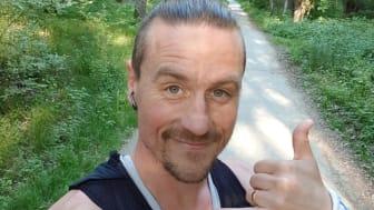 Daniel Karlsson springer på Bokmässan